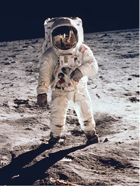 A Man on the Moon – for pioneers